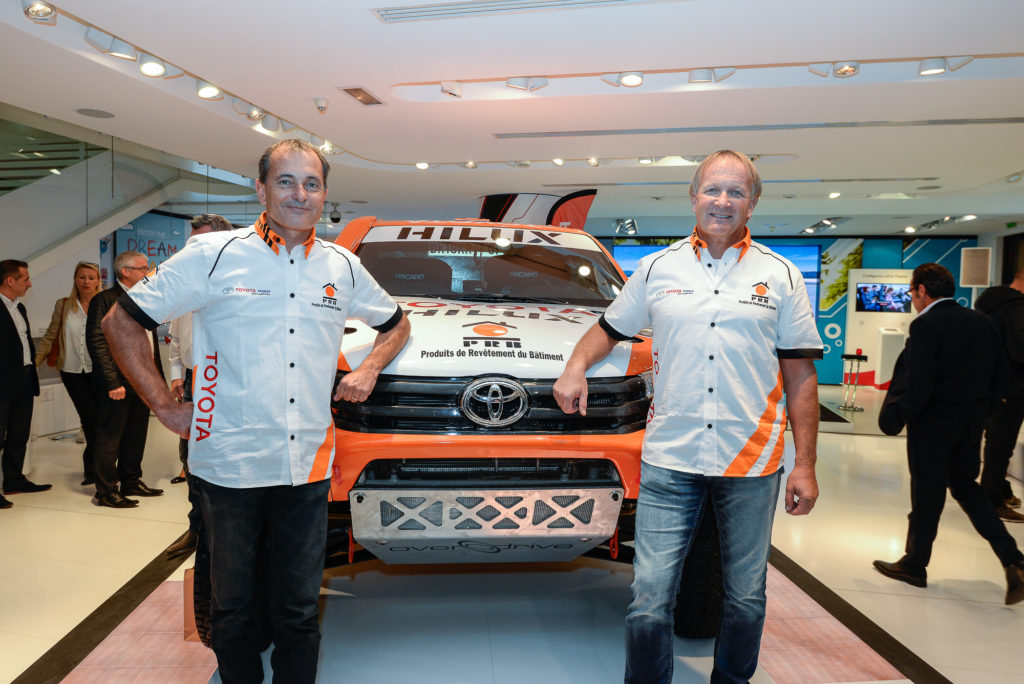 photo Presentation presse du Toyota Hilux Dakar 2016 de Ronan Chabot et Gilles Pillot
