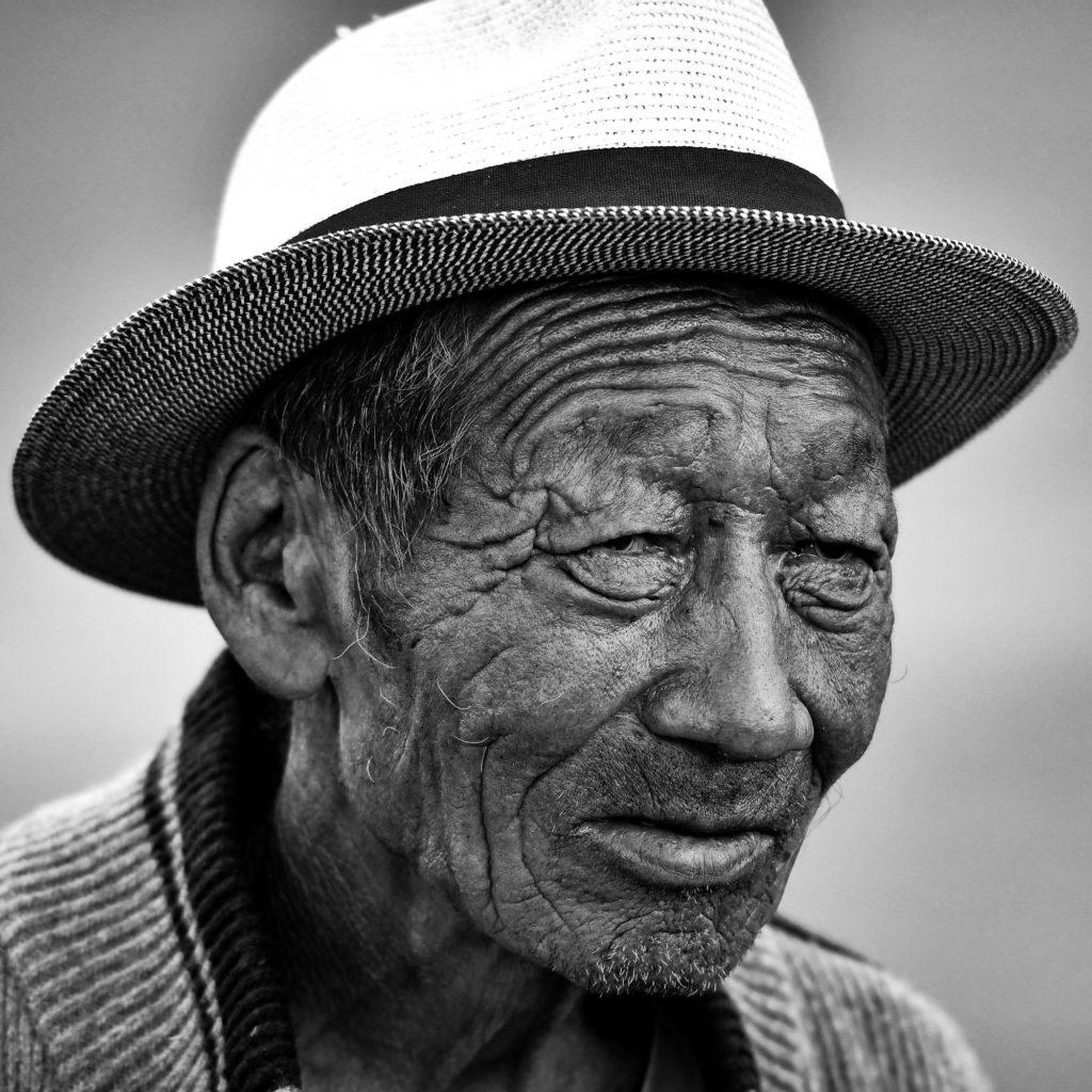 Portait vieil homme mongol